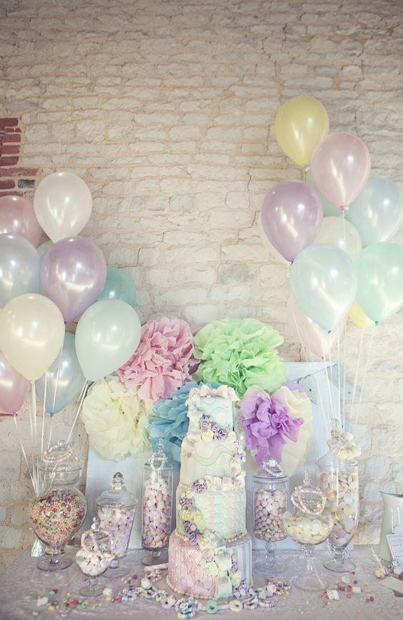 Ideas y arreglos de mesa para bautizo con globos y flores - Centros de mesa para bautizo economicos ...