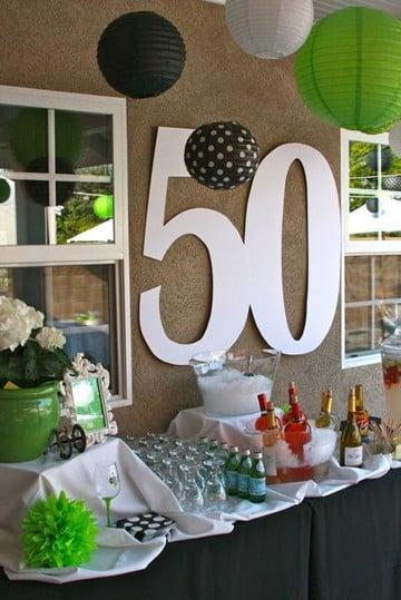 Hermosos centros de mesa para 50 a os de matrimonio for Decoracion 80 anos hombre