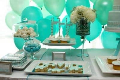 centros de mesa para bautizo modernos con dulces