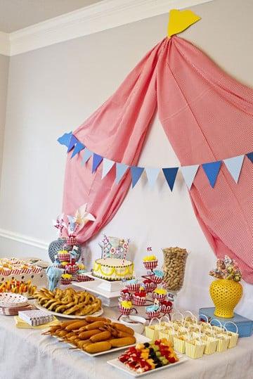 mesas de dulces para bautizo de niño