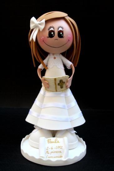 como hacer muñecas de goma eva de primera comunion