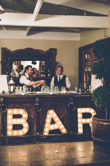 Decoracion matrimonio civil sencillo en casa centros de mesa para bautizos for Decoration lounge bar nimes