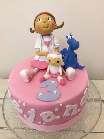 tortas de la doctora juguetes con crema