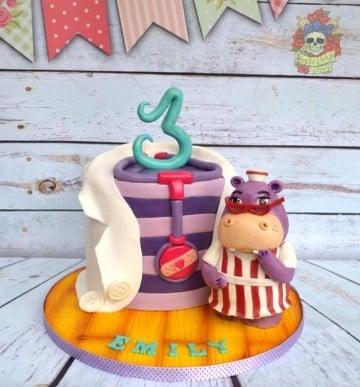tortas de la doctora juguetes decoracion