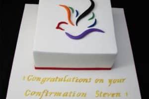 Hermosas decoraciones de tortas para confirmacion en fotos