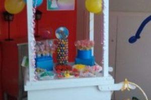 Mesas y carritos de chuches para comuniones y fiestas