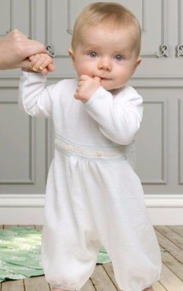 2c9ece962 Trajes para bebes y trajes de niño para bautizo modernos