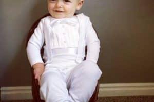 Trajes para bebes y trajes de niño para bautizo modernos