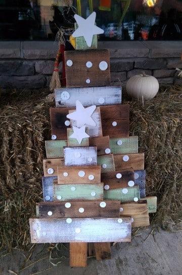 arbol de navidad de madera reciclada