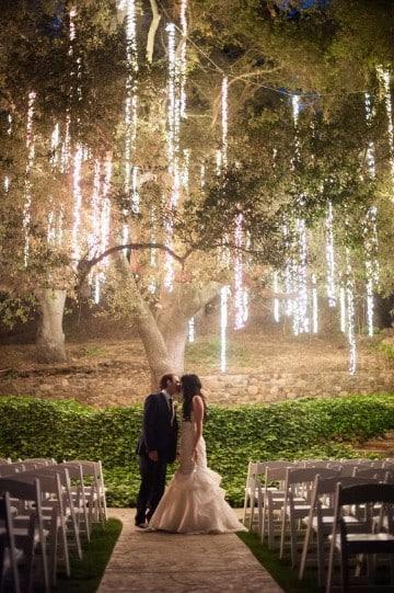 decoracion de bodas en jardin de noche