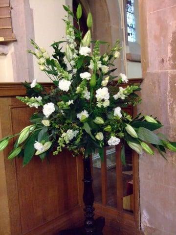arreglos florales para iglesia xv años