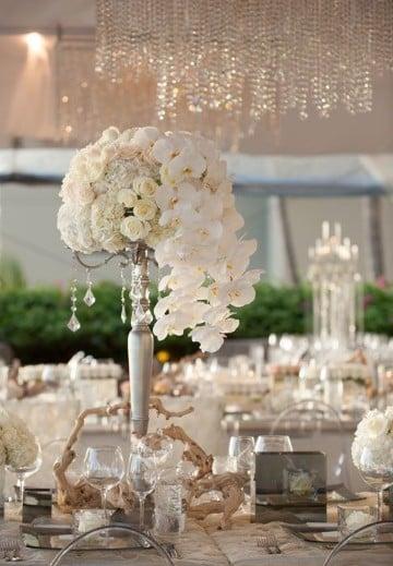 centros de mesa con flores naturales sencillos