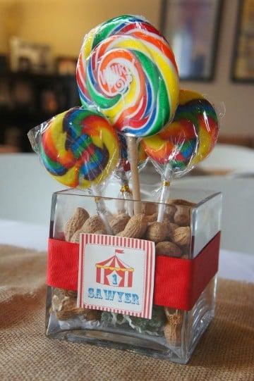 centros de mesa de carnaval 15 años