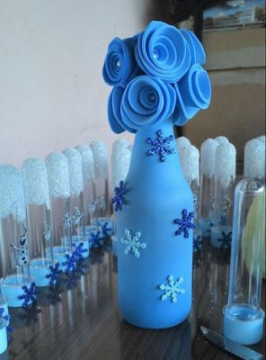 botellas decoradas con globos frozen
