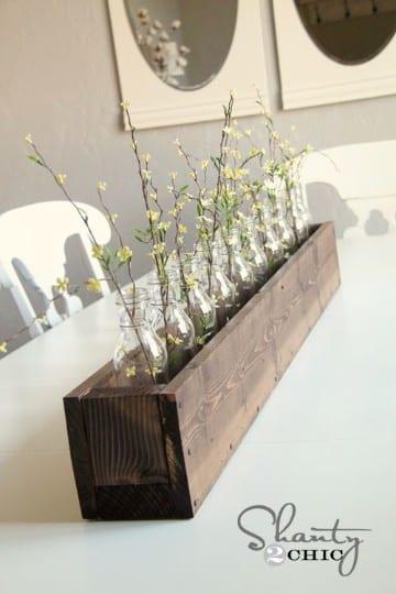 centros de mesa con cajas de madera vintage