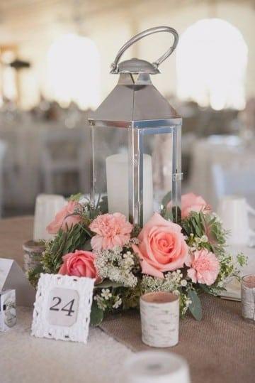 centros de mesa con rosas para boda