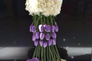 Arreglos y centros de mesa con tulipanes holandeses y lilis