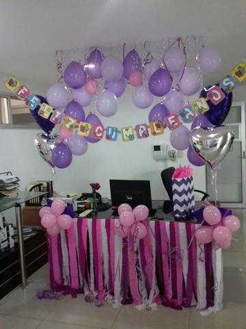 decoracion de oficina para cumpleaños con globos