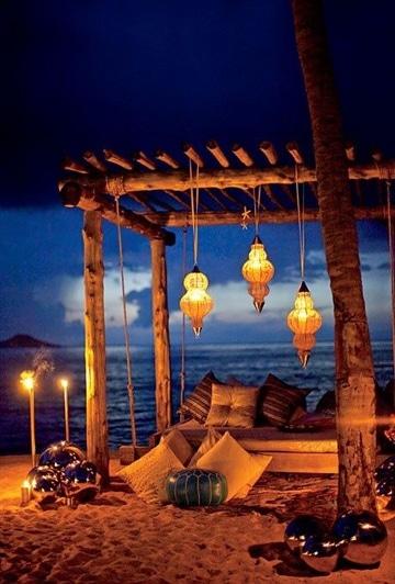 decoraciones romanticas para hombres en la playa