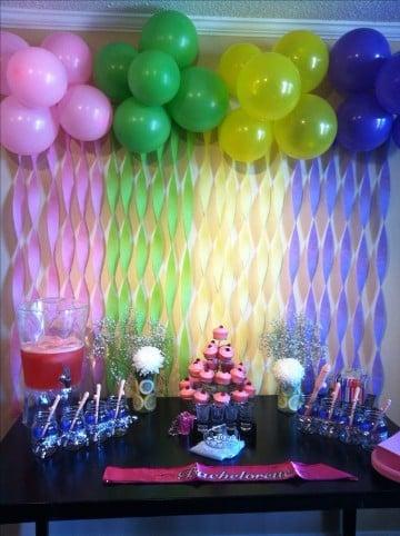 Decoracion y arreglos de salon con globos en imagenes for Decoracion para pared de salon