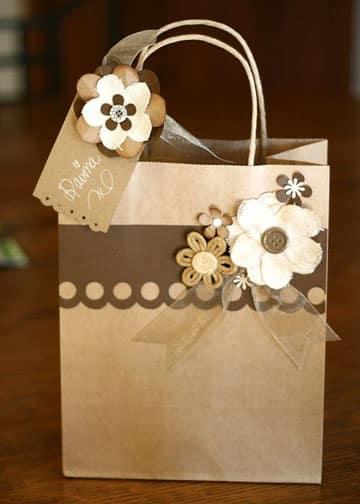 bolsas de papel decoradas con flores