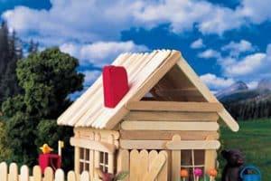 Manualidades de casitas con palitos de helado de madera