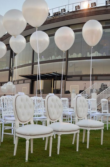 decoracion con globos de helio para matrimonio