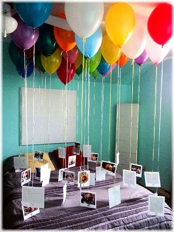 decoracion con globos de helio y fotos