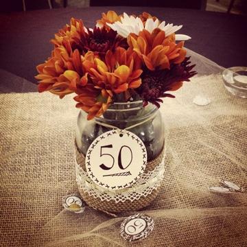 adornos para bodas de oro con flores