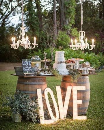 bodas rusticas al aire libre decoracion barriles