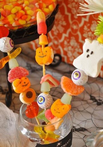 centros de mesa con gomitas halloween