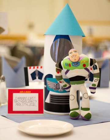 centros de mesa de buzz lightyear decorado