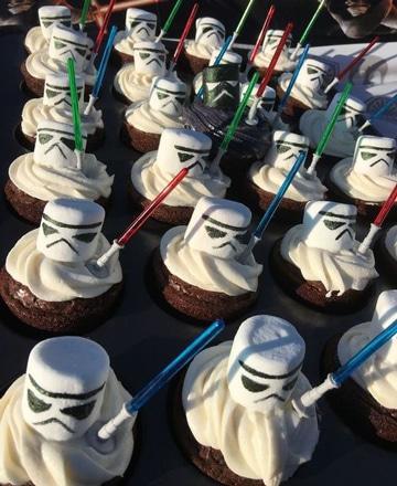 cumpleaños tematico de star wars cupcakes