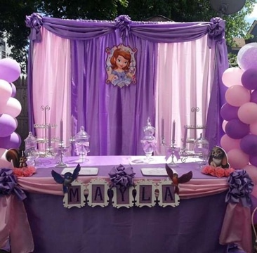 Original decoracion con telas para fiestas infantiles | Centros de