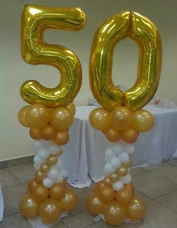 Una decoracion de globos para 50 a os original centros for Decoracion con globos 50 anos