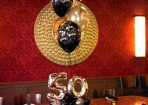 Una decoracion de globos para 50 años original