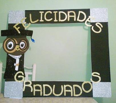 Baratos y faciles recuerdos de graduacion en foami - Marcos economicos ...