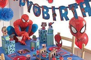 Fiestas infantiles y arreglos de mesa para piñatas