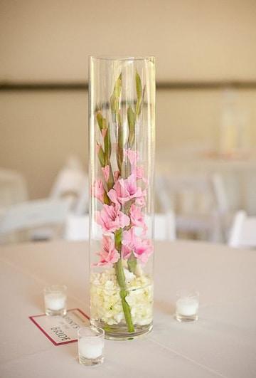 arreglos florales con gladiolas estilo romantico