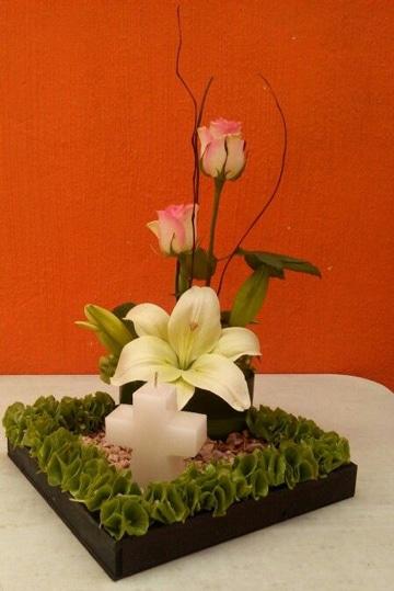 arreglos florales para primera comunion para mesa