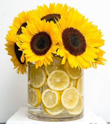 flores para centros de mesa amarillos