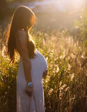 fotos bonitas de embarazadas con paisaje