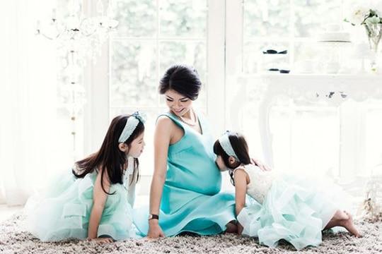 fotos de embarazadas en familia niñas