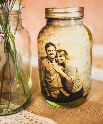 frascos de vidrio decorados con fotos