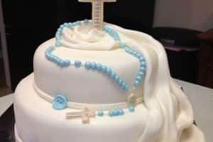 Diseños increíbles para tortas de bautizo para niño