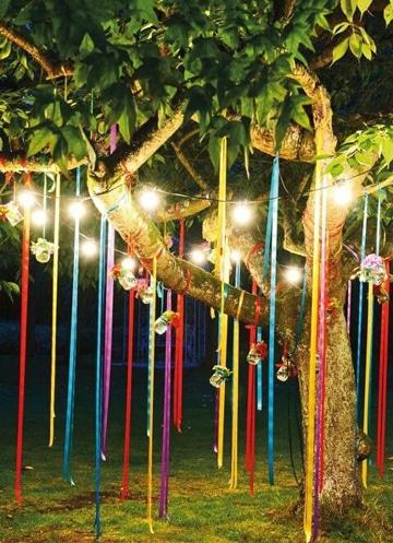 arboles decorados para fiestas con telas