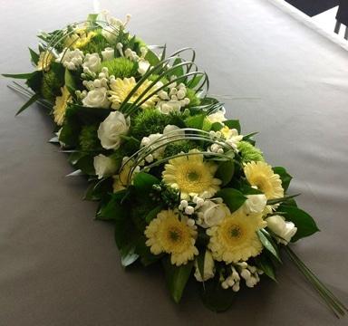 arreglos de mesa para presentacion con flores