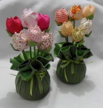 centros de mesa con flores de tela pequeños