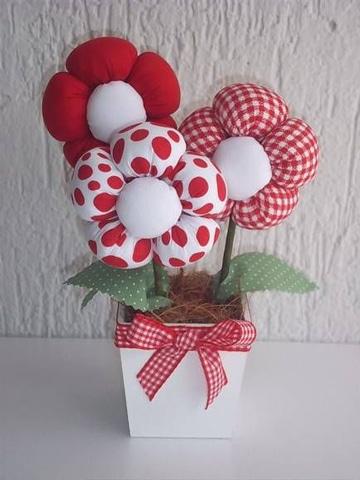 centros de mesa con flores de tela sencillos