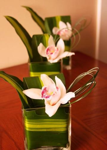 centros de mesa con orquideas pequeños